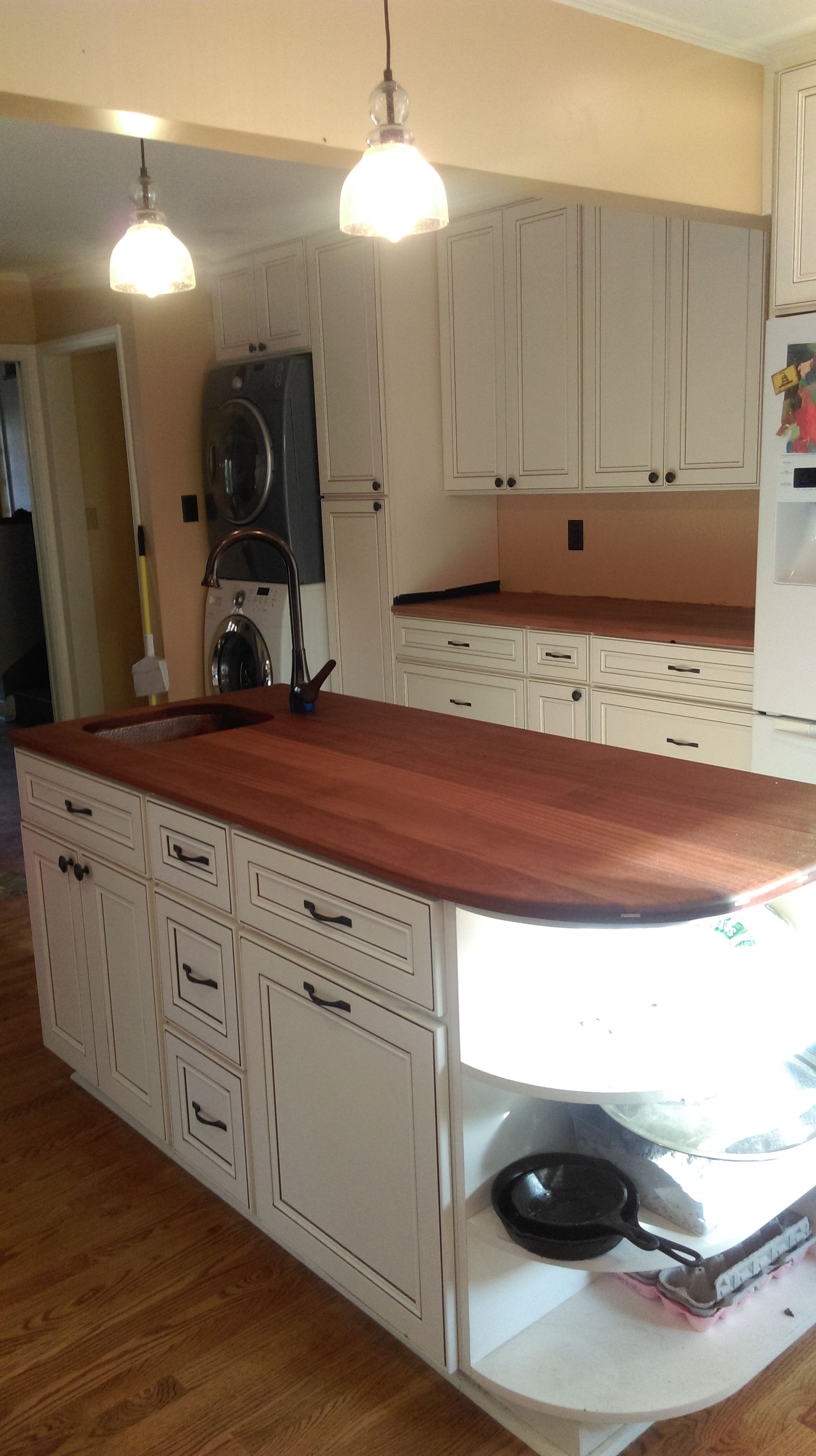 Our York Antique White Cabinets Are An Extremely High End Line That Is Very Popular Antique White Kitchen Cabinets White Diy Kitchens Kitchen Remodel Layout