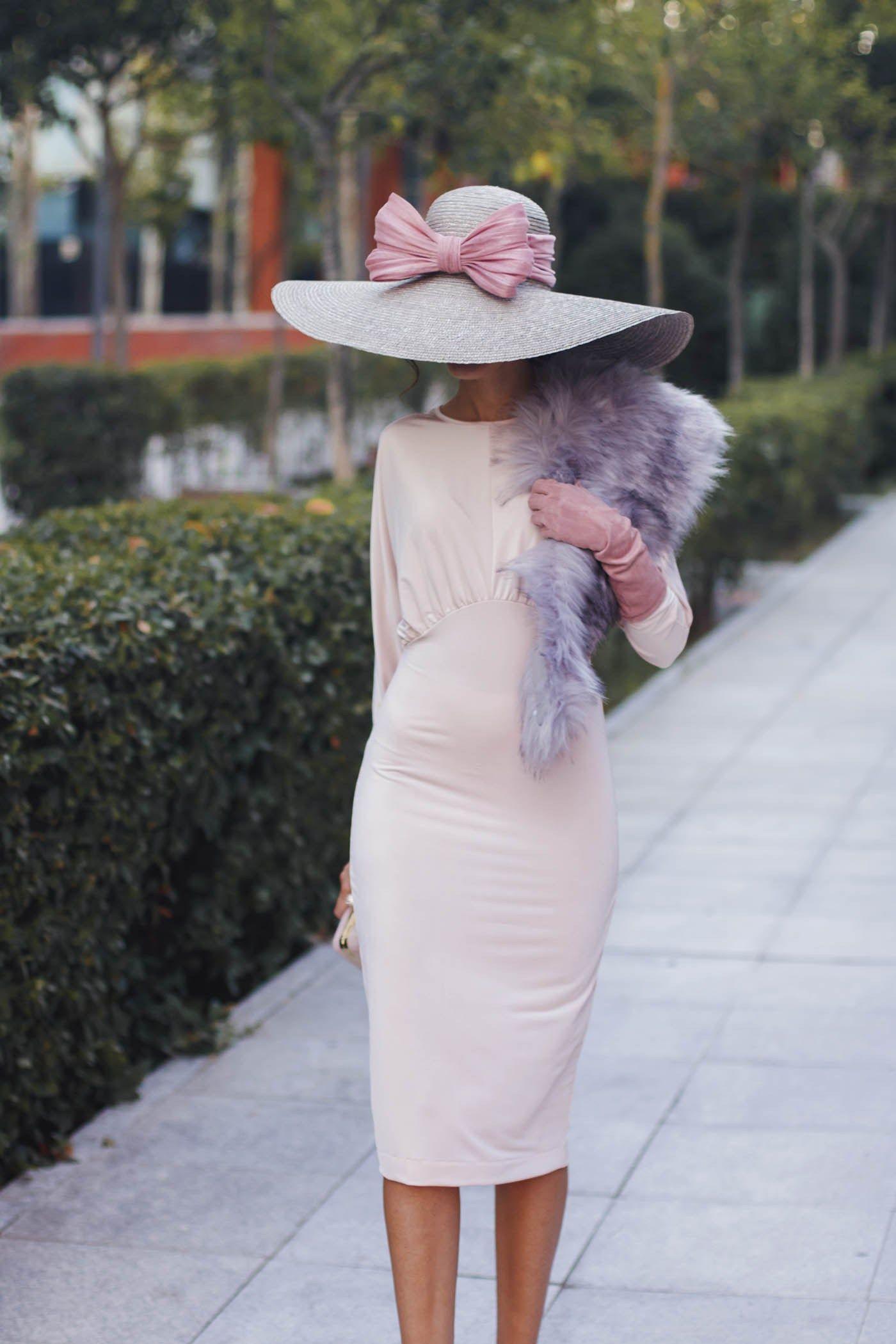 9302aa35f1 Vestido ajustado rosa nude pamela complementos