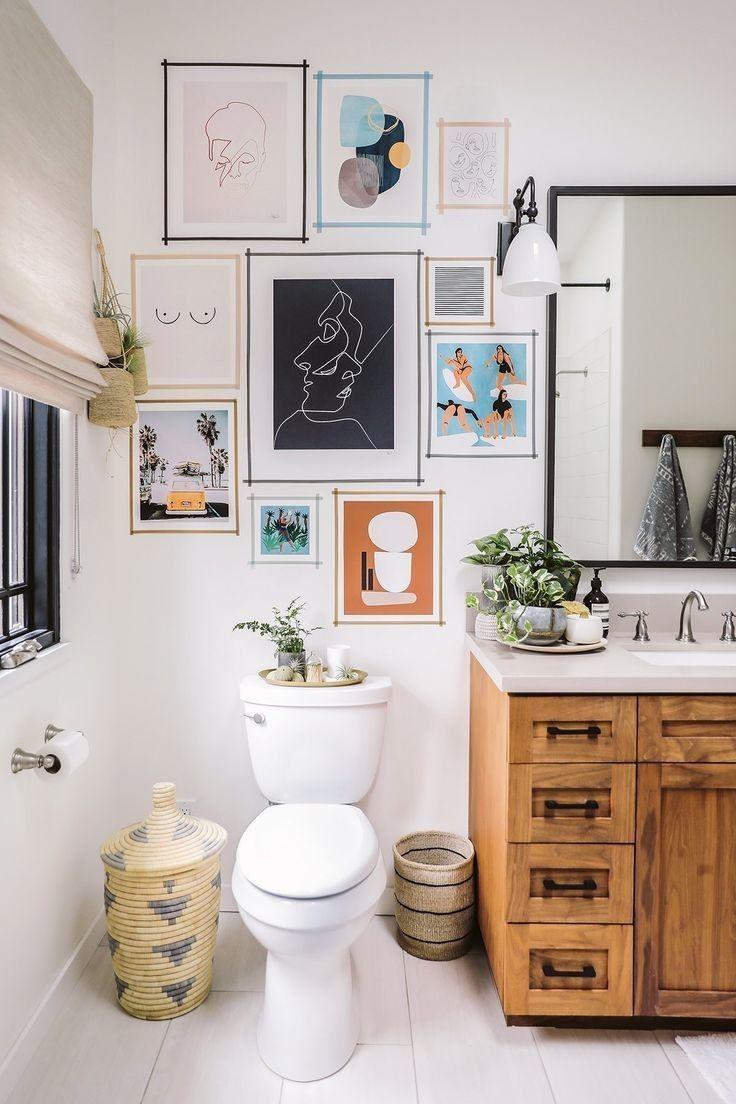gallery wall in the bathroom #homedesign #bathroom #bathroomart