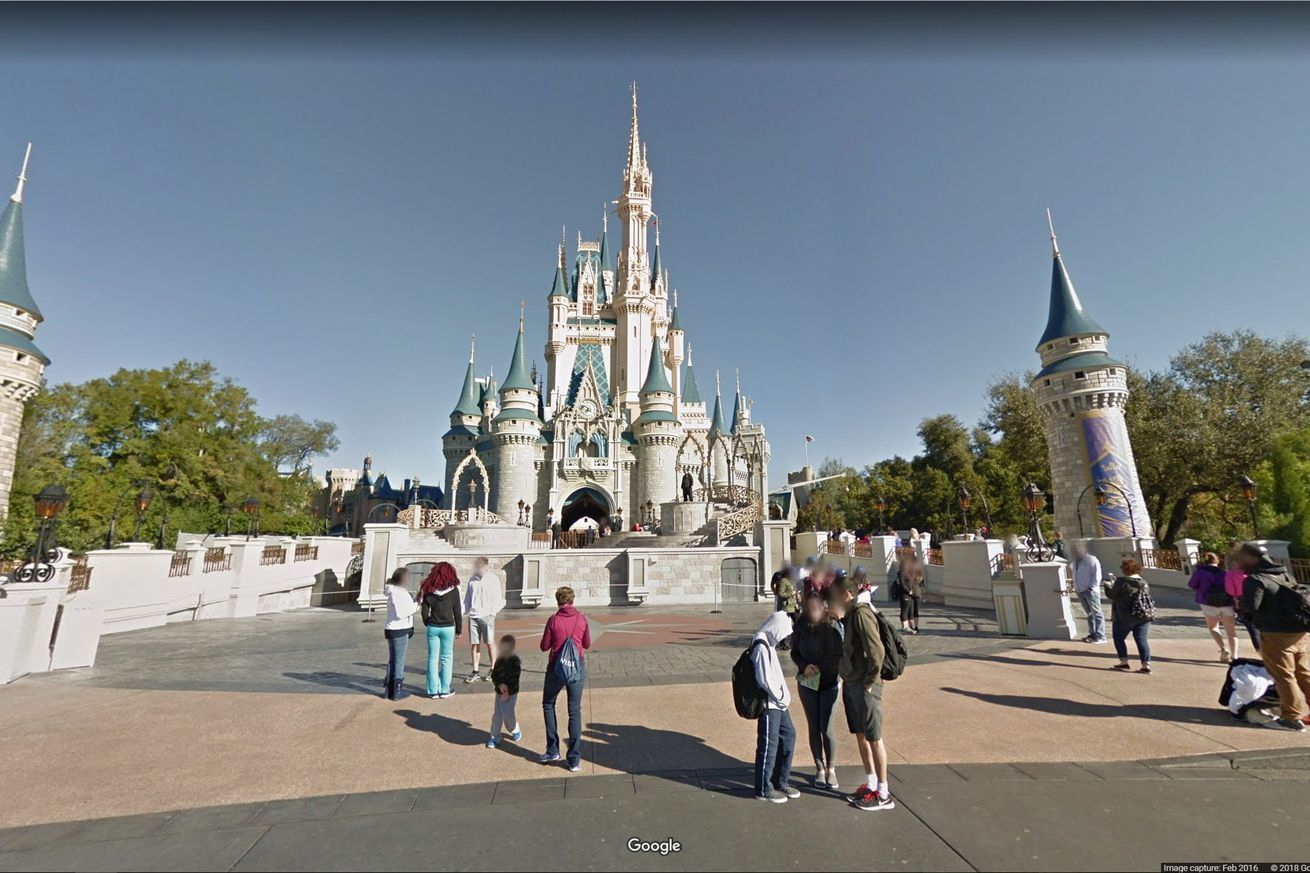 You can now pretend you\'re in Disneyland on Google Maps ...