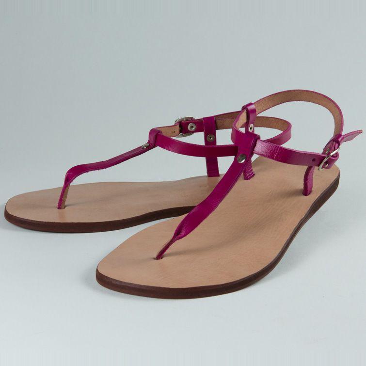 Nu-pieds façonnés à la main entièrement en cuir de veau. Tannage végétal à f59c118e194c