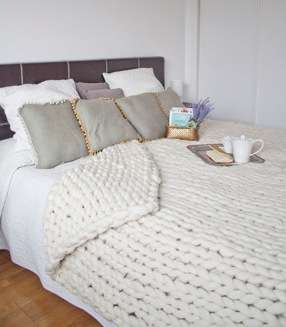 Manta xxl para pie de cama knitting noodles punto y - Lana gorda para mantas ...