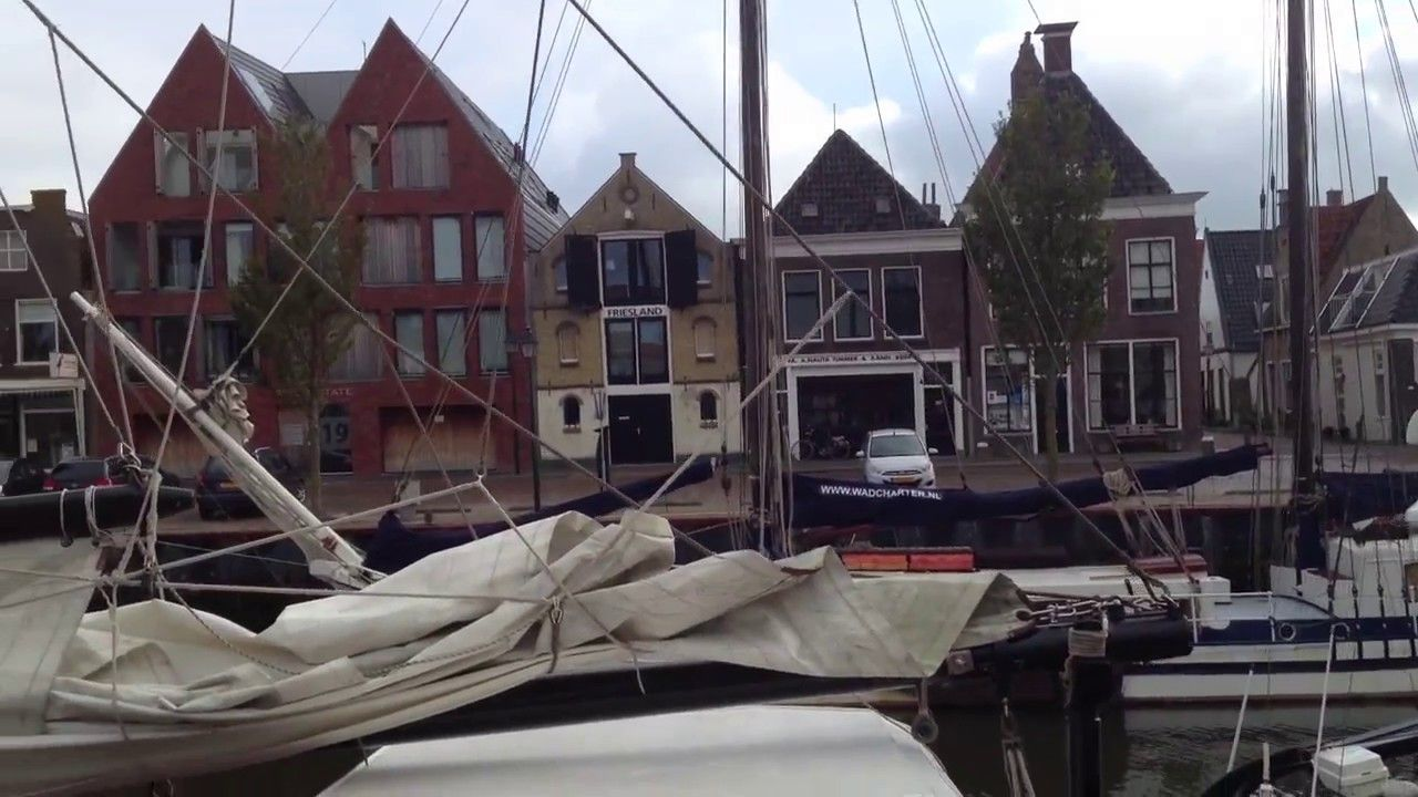 Harlingen friesische Hafenstadt an der Nordsee ein