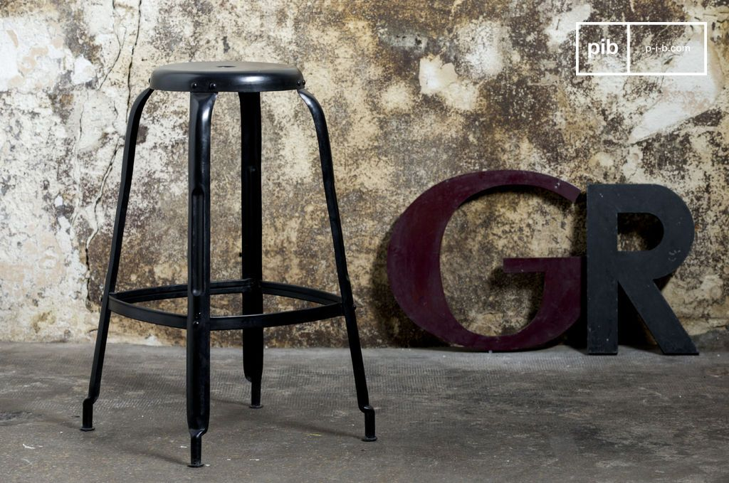 Sgabello nero da bar con rivetti vintage furniture bar stool