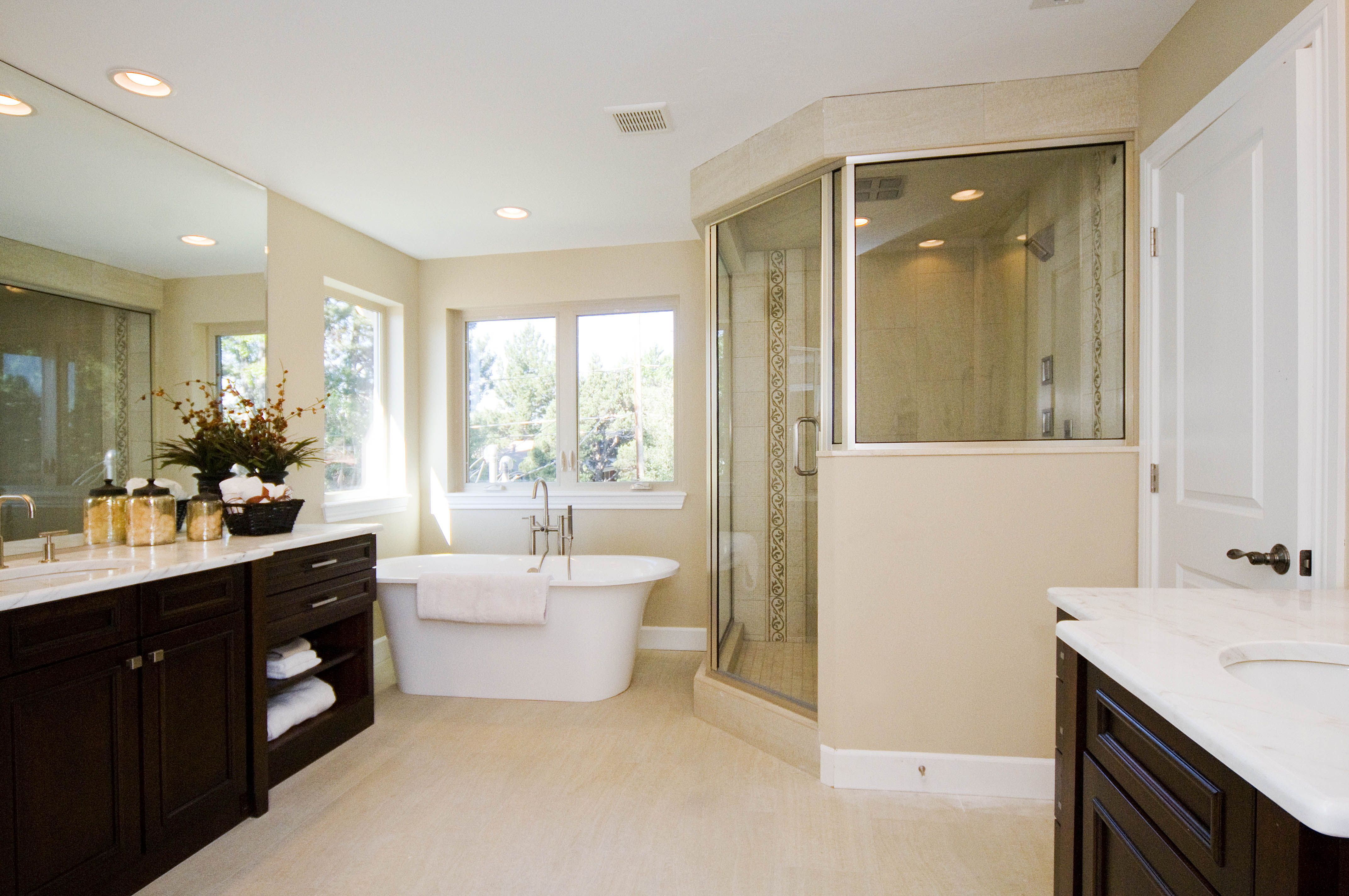 One of our great master bathrooms - complete with steam shower ...