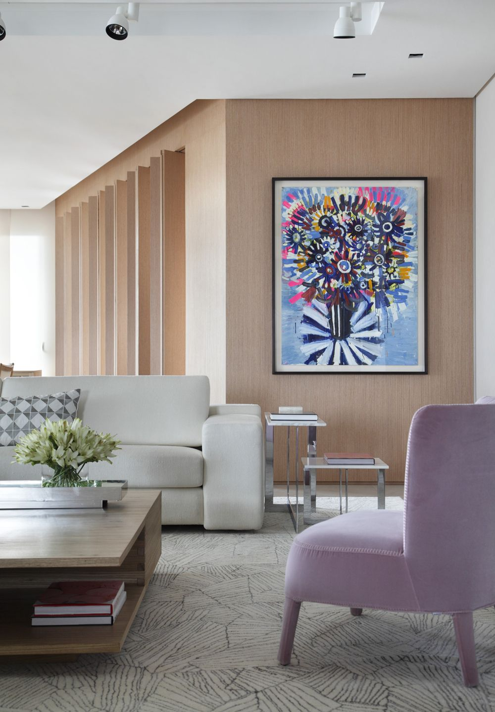 Decoração de: Detalhes; obra de arte flores coloridas; Casa de Valentina