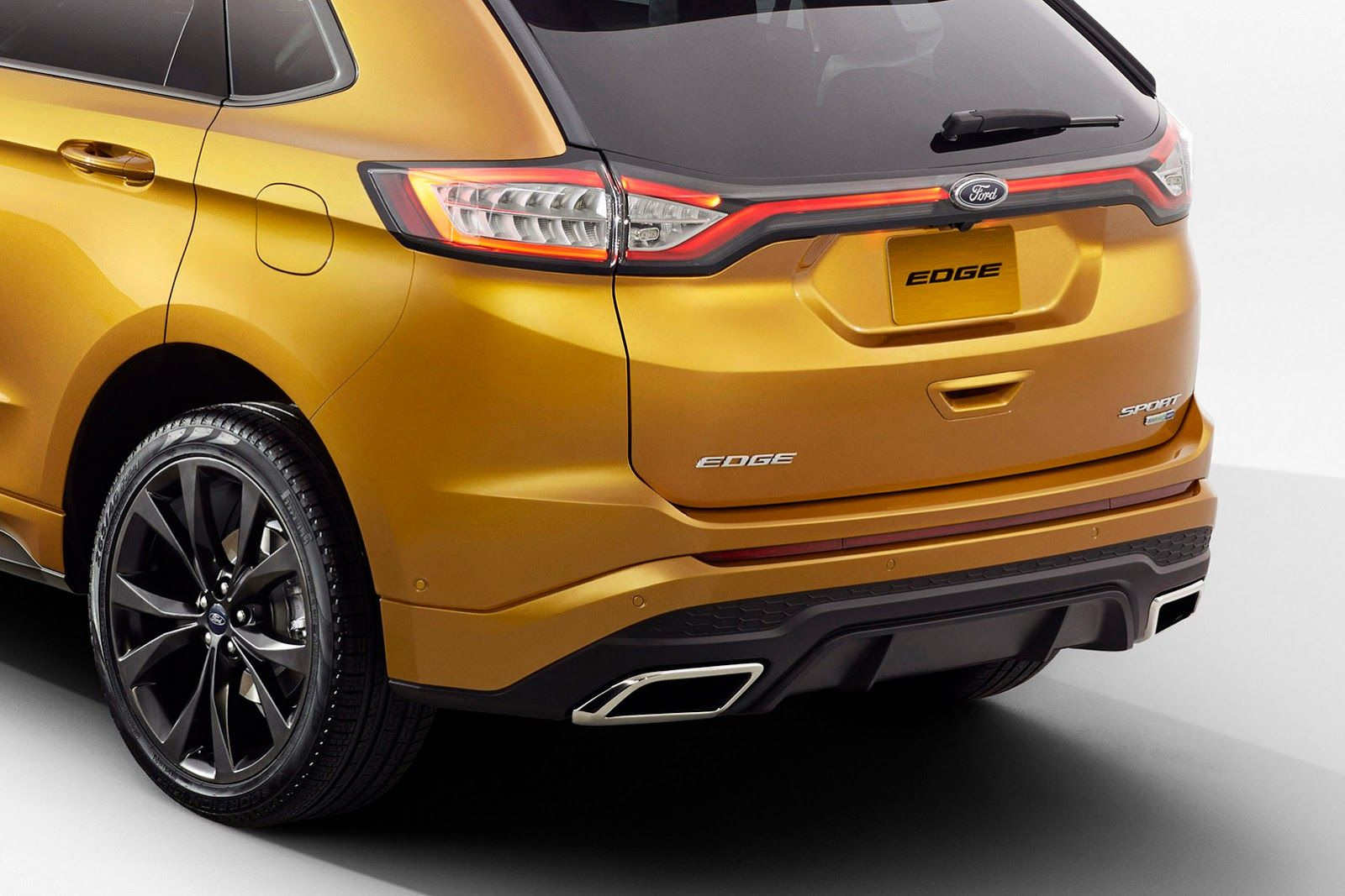 2015 ford edge gets better looks and more tech for its journey around the world
