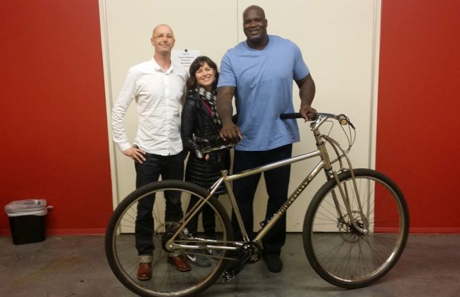 Shaquille O Neal Gets A Dirtysixer Bike With 36 Inch Wheels