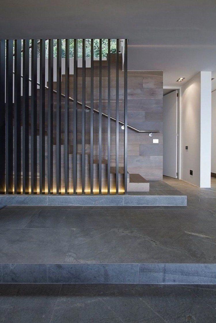 Moderne Treppengelander Fallschutz Absturzsicherung Treppe Beleuchtung Fliesen Gelander Treppengelander Aluminium Interiors Decor In