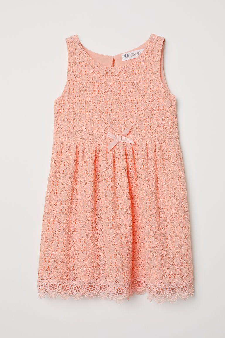 71da965b9a4827 Mouwloze kanten jurk - Abrikoos -