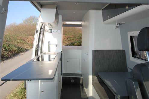 vw crafter ausbau mit achleitner allrad 4x4 campervan ideas shh i 39 m not getting old. Black Bedroom Furniture Sets. Home Design Ideas