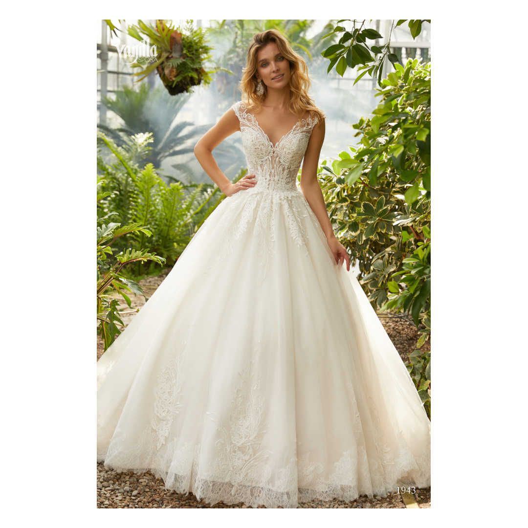 crusz Brautkleider  Brautkleid prinzessin, Hochzeitskleid