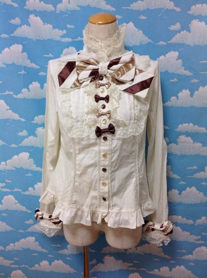 Whimsical (Kimagure) Ribbon-Chan Blouse in Ivory x Brown from Angelic Pretty - Lolita Desu