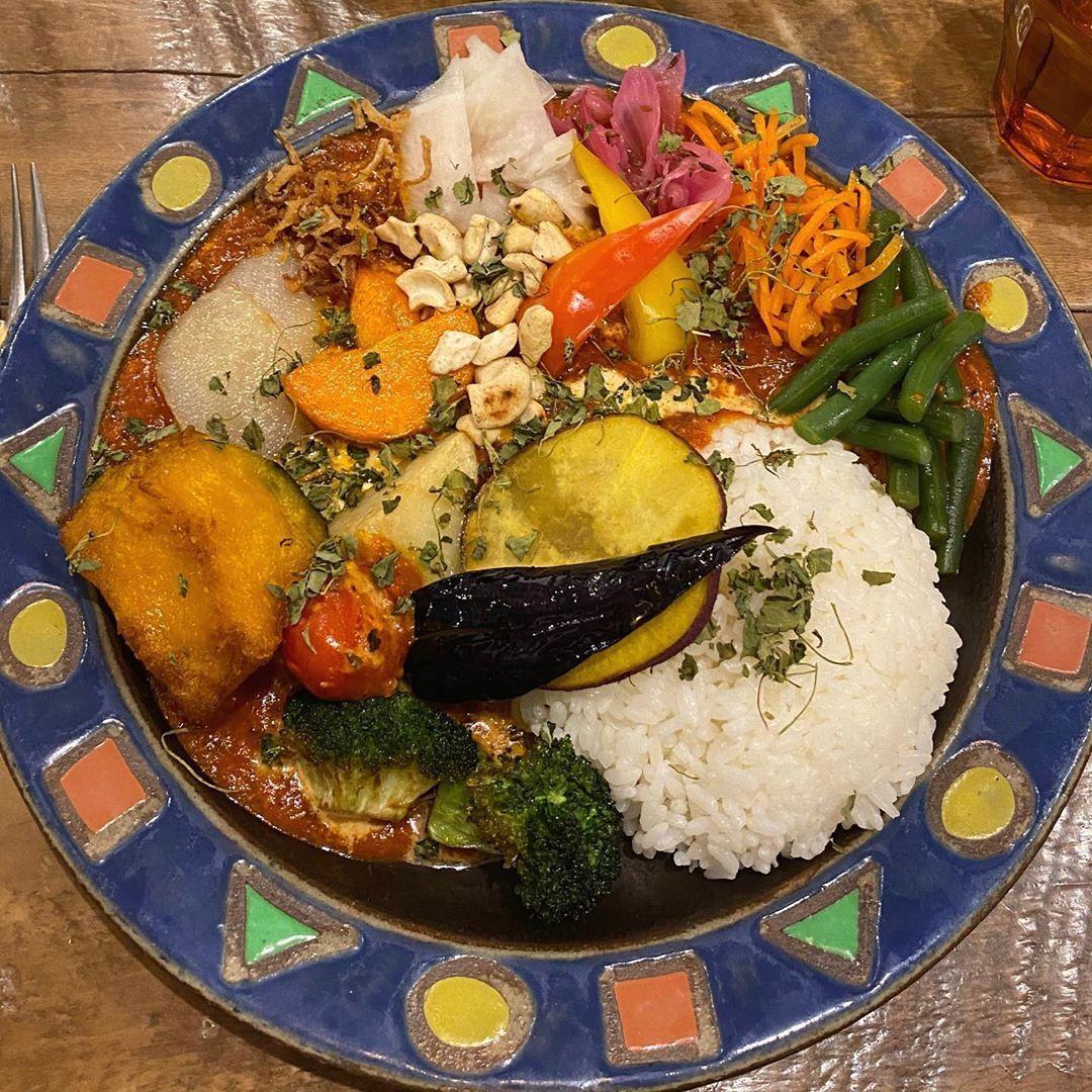 "@__kuiiji__ on Instagram: "". 📍Mikazuki Curry Samurai. (下北沢) 💸1200円 . . #mikazukicurrysamurai #下北沢 #下北沢グルメ #下北沢グルメ #下北沢カレー #東京 #東京グルメ #食べ物グラム #飯テロ #飯テログラム #グルメ…"""