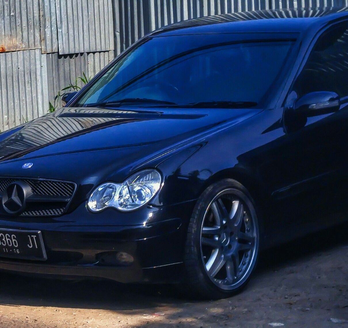 Mercedes Benz C240 Price: Mercedes Benz C-Klasse W203