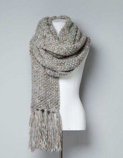 ccca89ca1953 Une écharppe en laine bien douillette   Cocooning   Pinterest ...