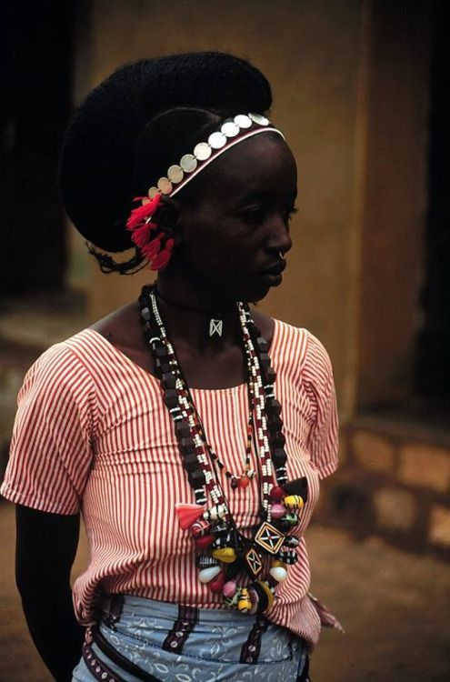 kemetic-dreams:     Fulani woman, Mali, 1986. |... | Polifigeur