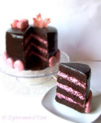 Il Goloso Mondo di Minu': Dark chocolate cake con mascarpone cream ai lamponi