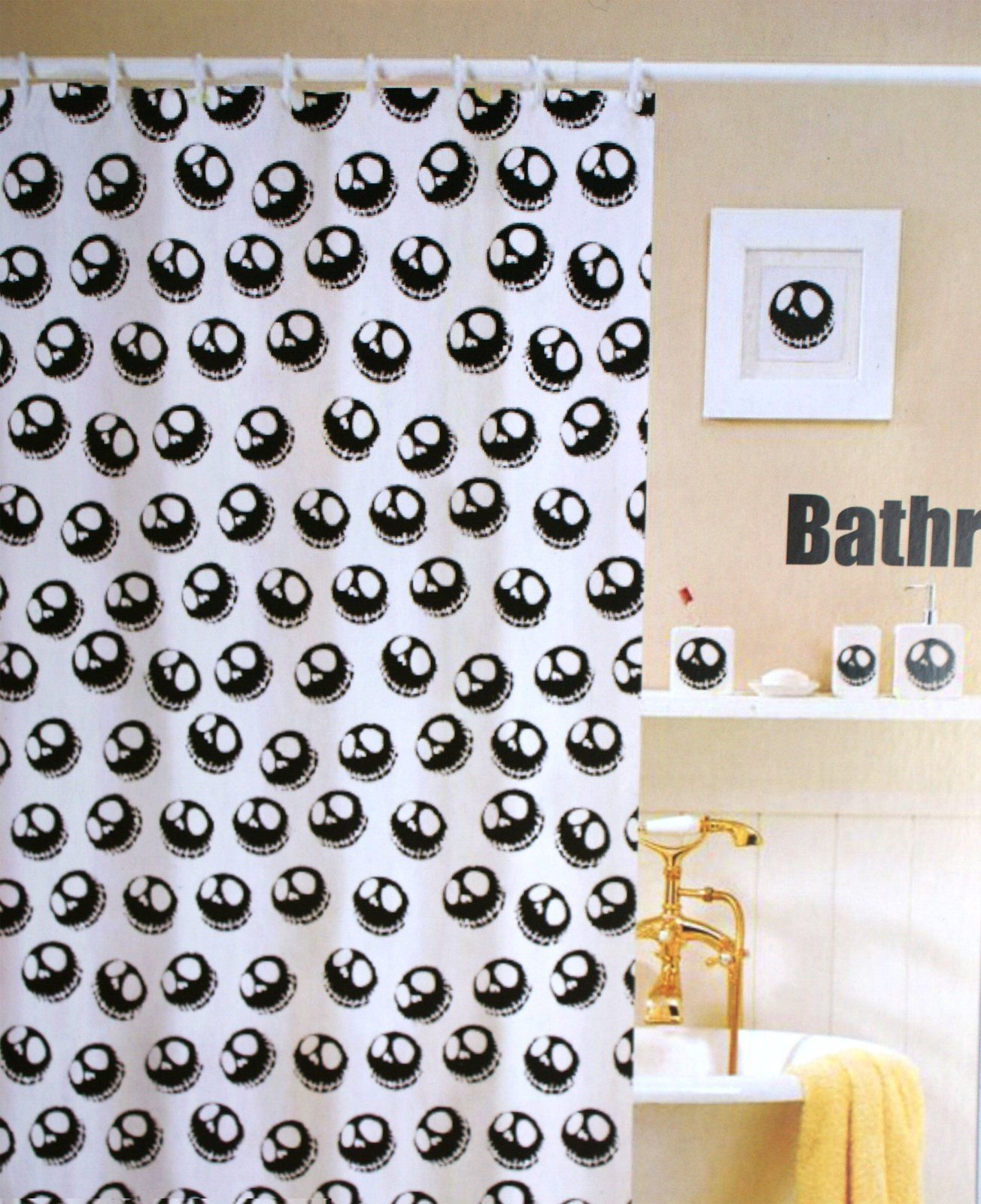 NIGHTMARE BEFORE CHRISTMAS Shower Curtain and Hooks Pack   apartment ...