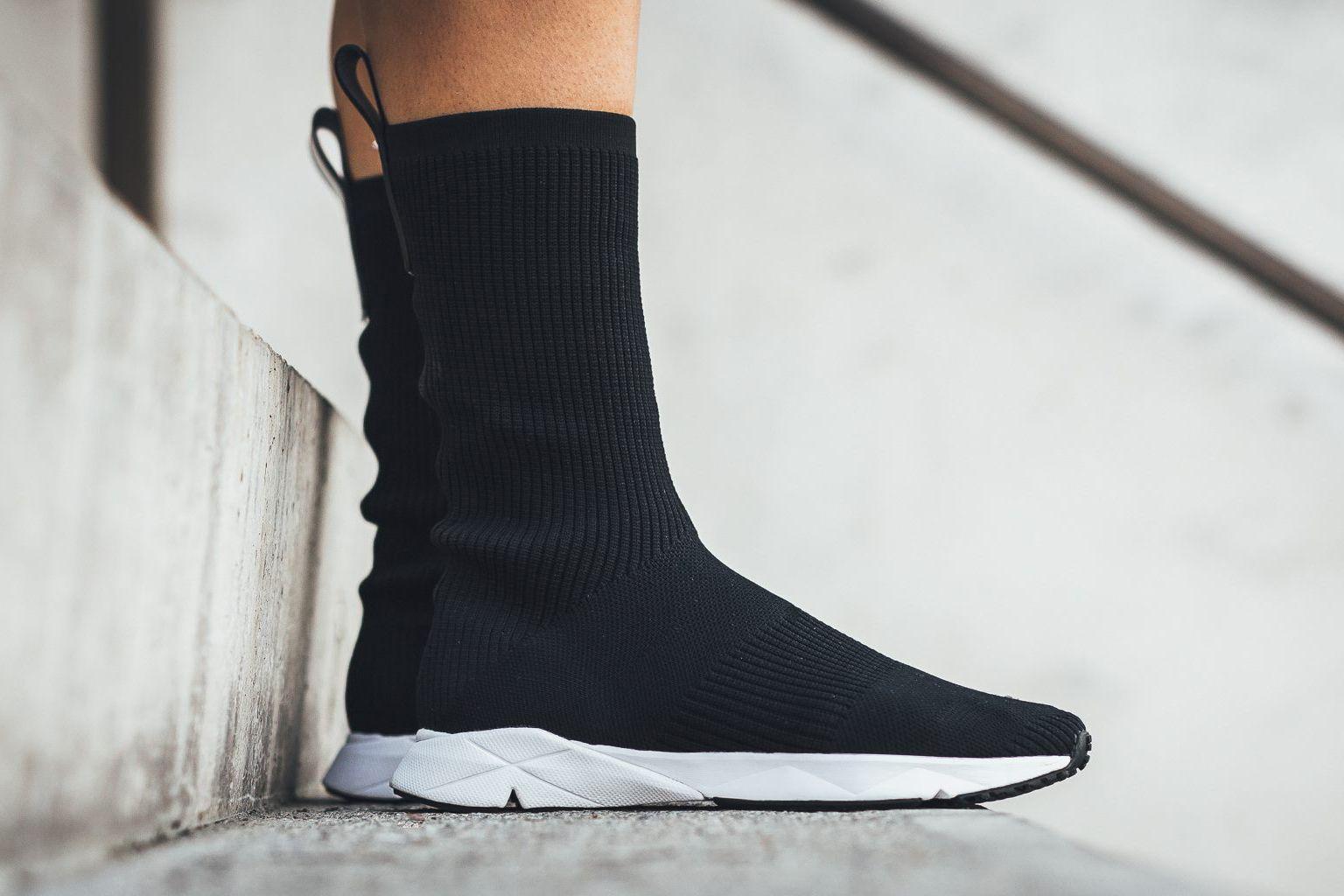 af923c0c9d7a An On-Feet Look at the Reebok Sock Runner Ultraknit