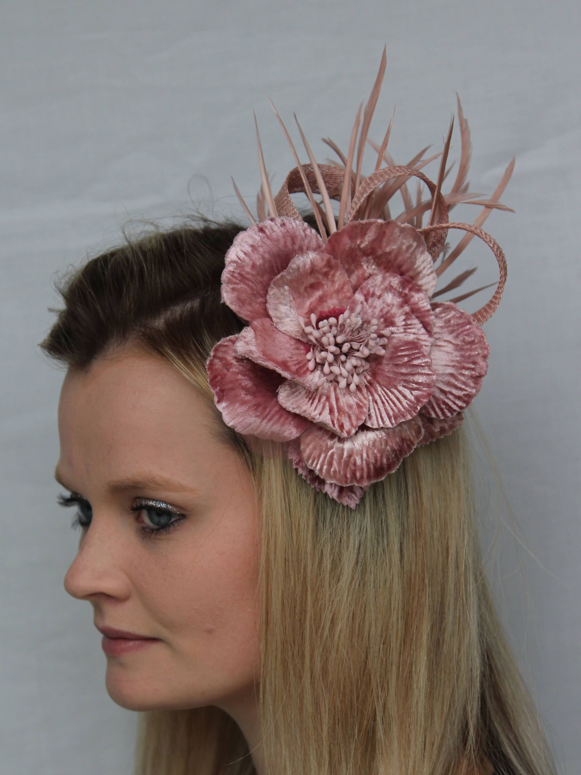 4d425d1105e42 Pin by All Dunn Up on Fascinators   hats by All dunn up
