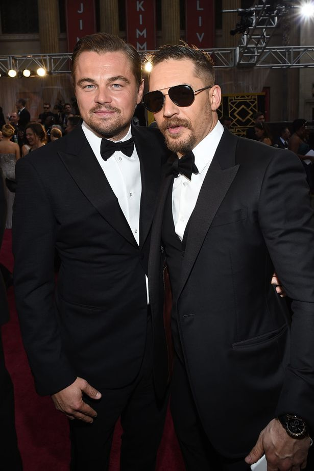 f78767a55 Tom Hardy grabs a quick Oscars selfie with a big star ...