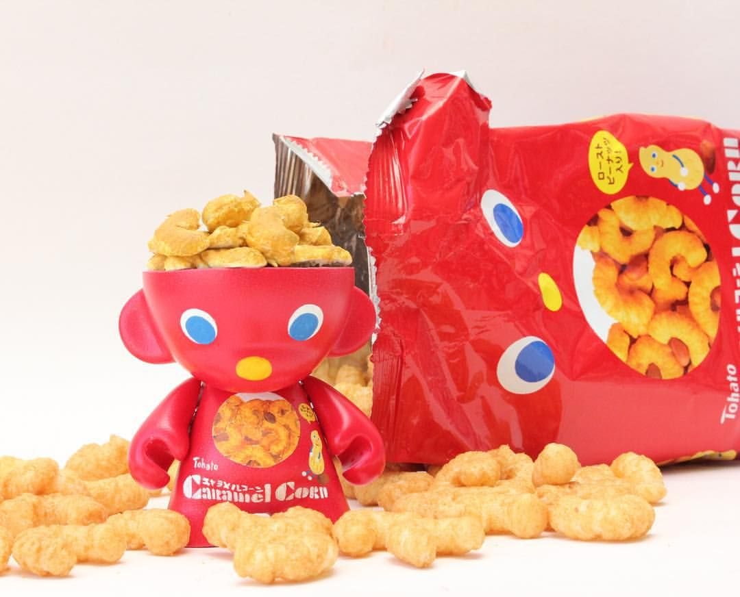 """I loved snacking on these #CaramelCorn chips as a kid. #Tohato #キャラメルコーン #munny"""