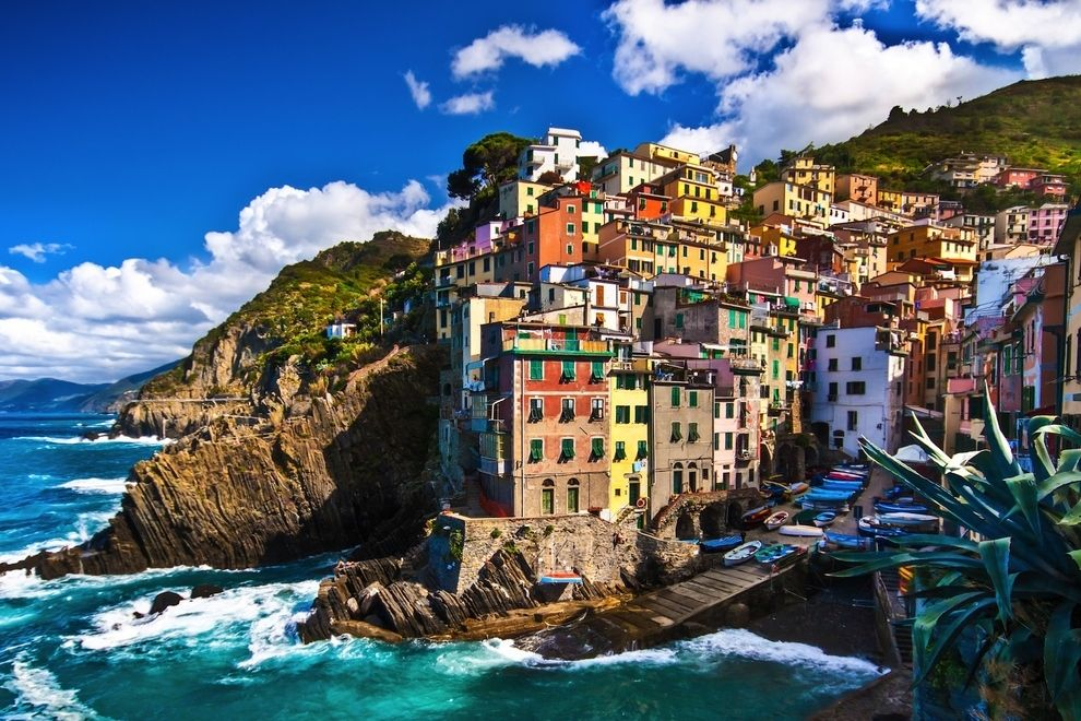 11 Reasons Your Next Trip Should Be To Cinque Terre. I've been here and it is 100% AMAZING. I would like to live there someday.