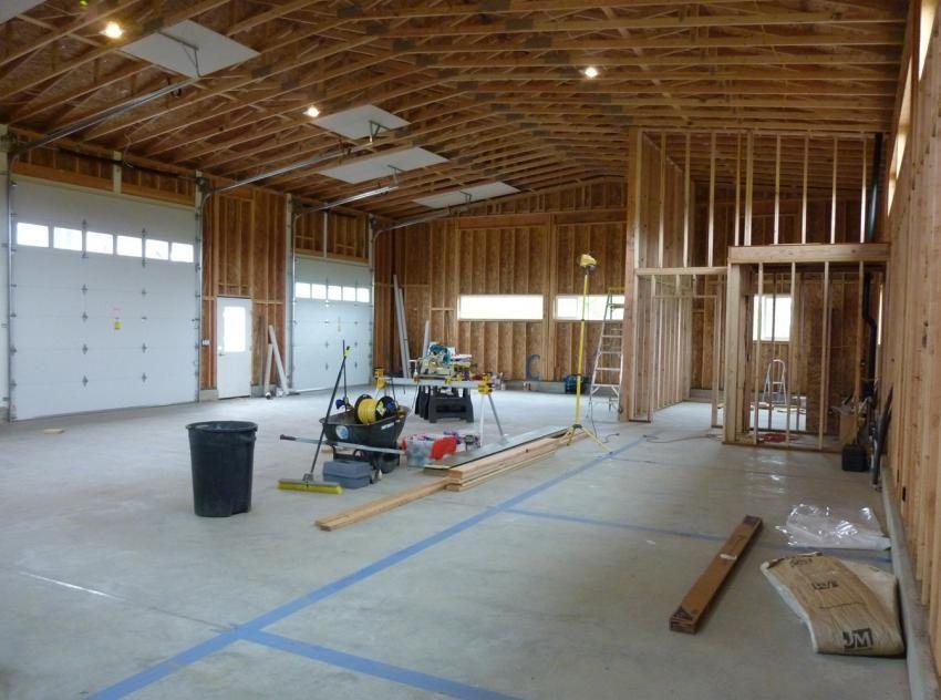 40x60 Garage Photo Farmhouse Design Shop Interiors Drying Rack Laundry Garage Workshop