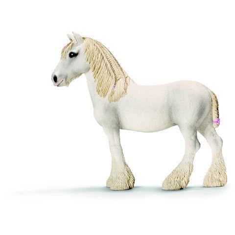 Promo Schleich, Figurine Jument Shire  - marque : Schleich Retrouve la figurine jument Shire de Schleich, le cheval le plus grand du monde. La hauteur au garrot de ces géants chevaux peut atteindre plus de 2 mètres.... prix : 7.99 EUR €  chez Auchan Jeux et Jouets #Schleich #AuchanJeuxetJouets