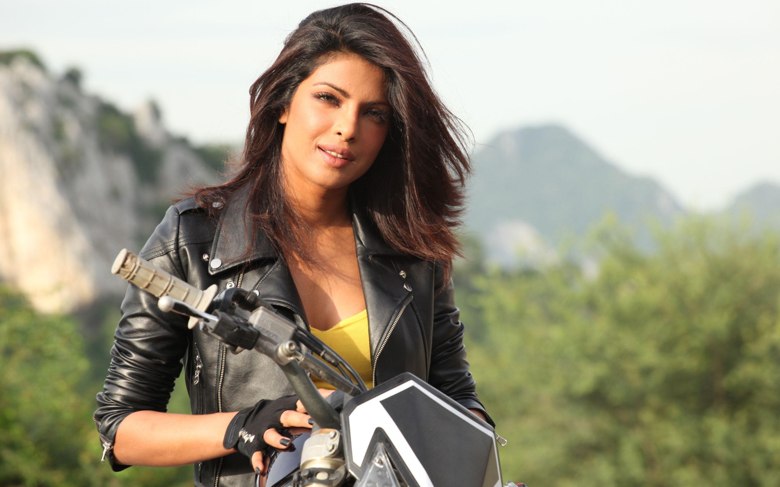 Mary Kom – Official Trailer Priyanka Chopra in as Mary Kom
