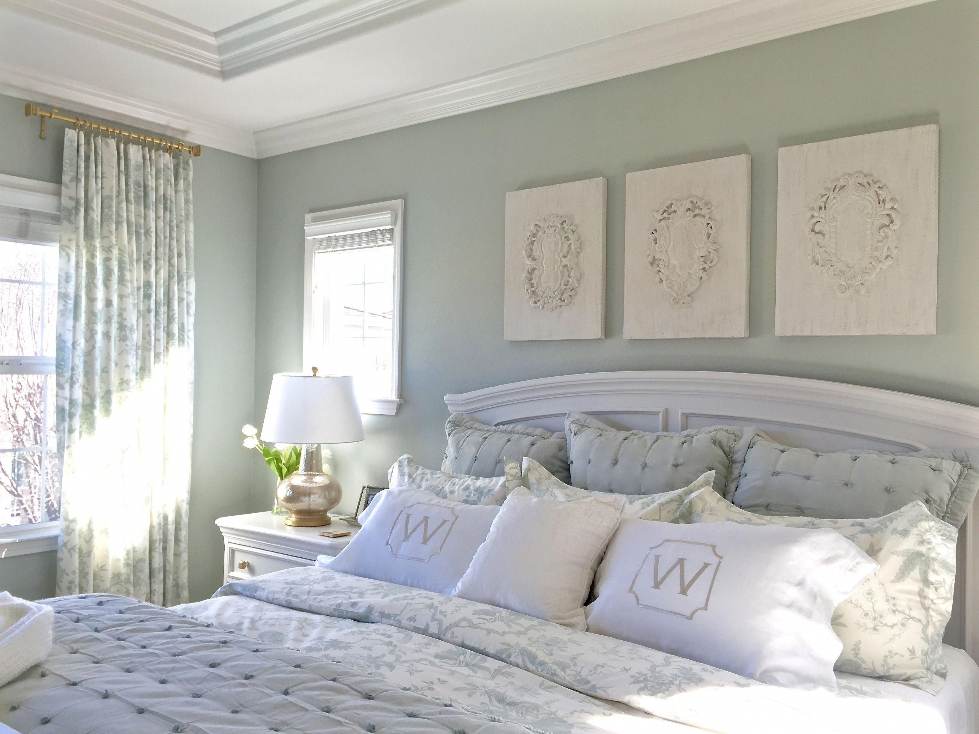 The 5 Steps To Repaint A Ceiling Green Master Bedroom White