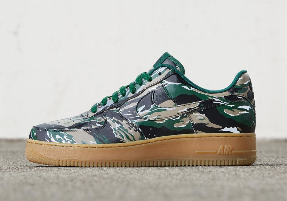 Nike Air Force 1 Low Reflective Desert Camo Sneakers (Varsity Royal/White-Sport Red)