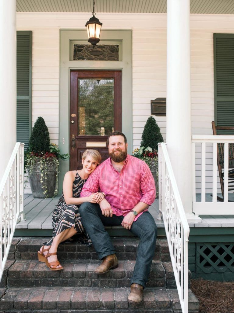 Ben And Erin Napier Go To War On Home Town Home Town Hgtv Erin Napier Hgtv Paint Colors