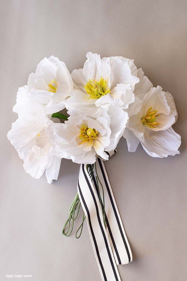 How to Make Crepe Paper Flowers - Happy Happy Nester #easypaperflowers