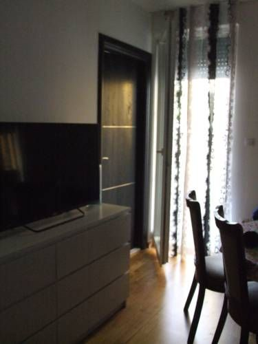 Studio apartman Marita Split Set 4.2 km from Diocletian's Palace in Split, this apartment features free WiFi. The apartment is 500 metres from Mall of Split. Free private parking is available on site.  Towels and bed linen are available in this apartment.