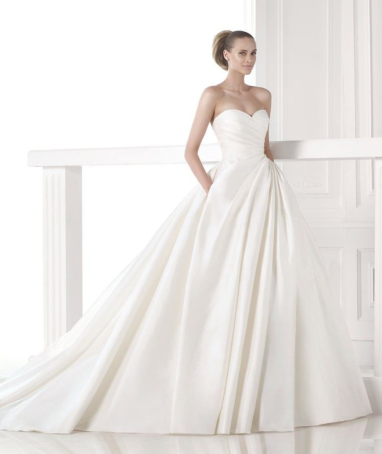 Custom Wedding Dress Makers China Simple Satin Ball Gown