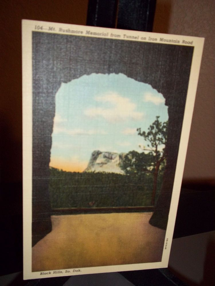 Vintage Uncirculated Postcard Mt. Rushmore Tunnel Iron Mountain Road
