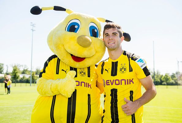 Dortmund S Christian Pulisic Poses During With Mascot Emma At The Team Presentation Of Borussia Dortmund On August Christian Pulisic Borussia Dortmund Dortmund