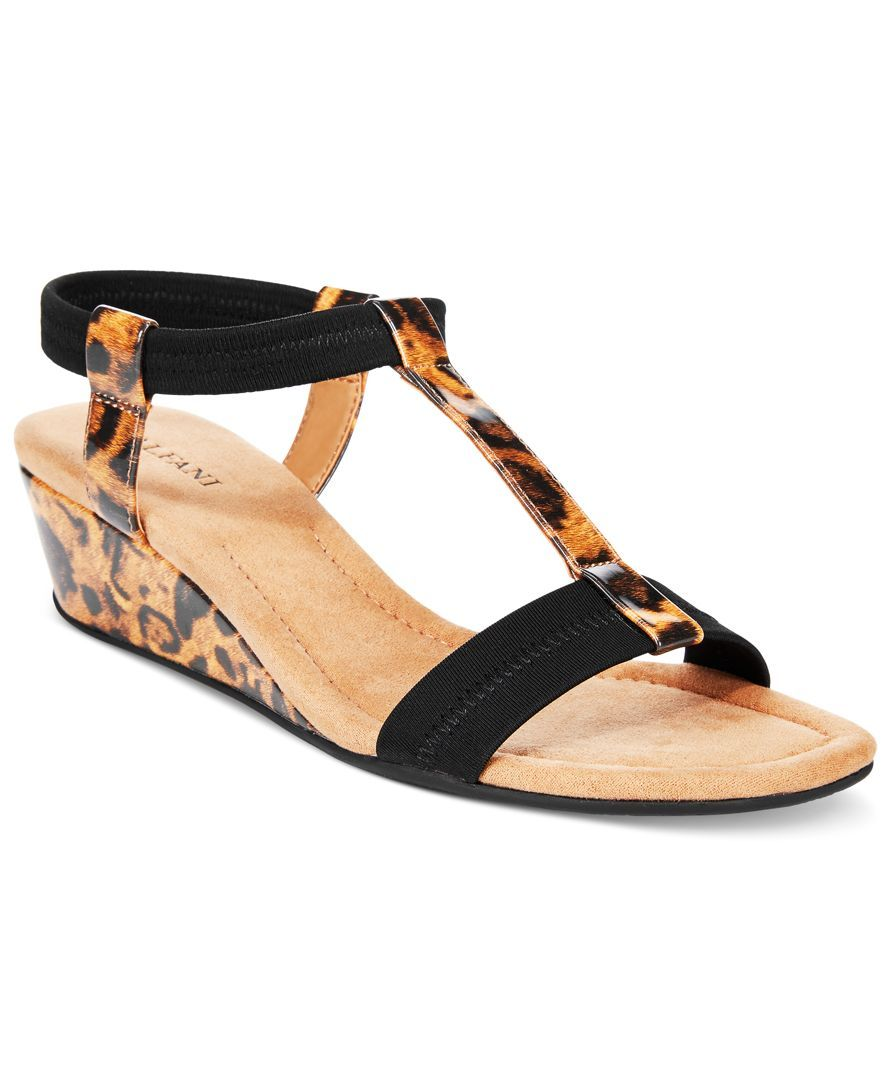 ecb9313992fd Women s Step  N Flex Voyage Wedge Sandals