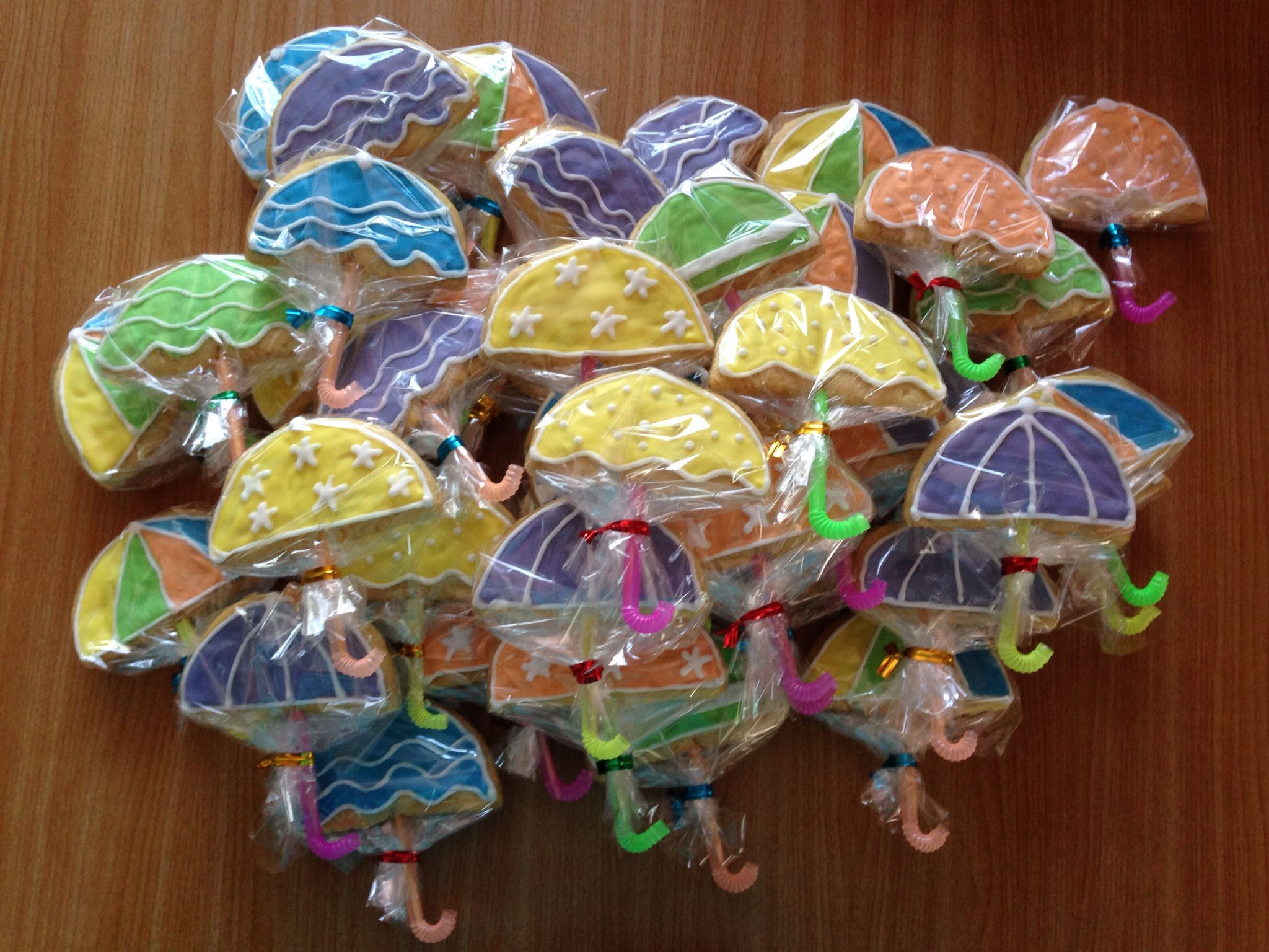 Umbrella cookies for a BBQ beach party