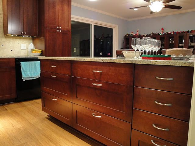Slab and 5 piece shaker drawer fronts Kitchen Inspiration