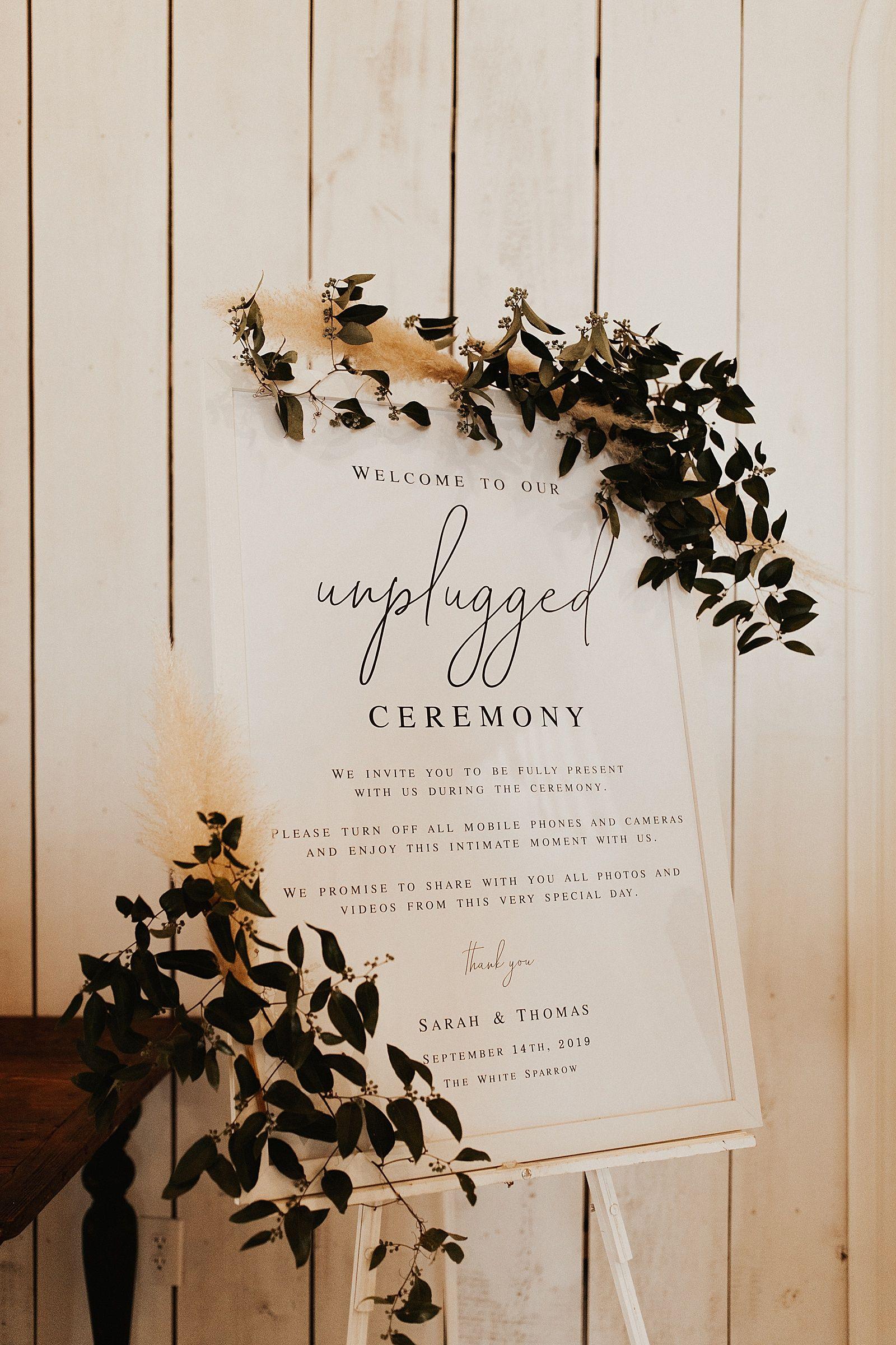 White Sparrow Barn Wedding in Dallas, TX | Thomas + Sarah - Meg Amorette Photography