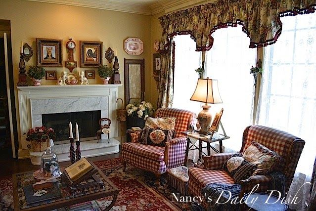 Nancy's Daily Dish: English Cottage Living Room