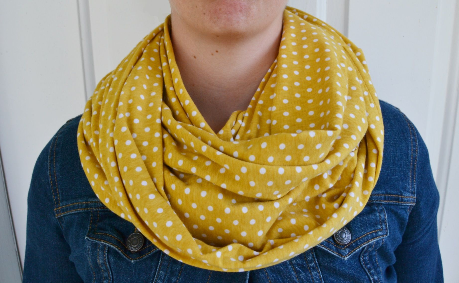 Tutorial Tuesday :: The Cozy Cowl from Mary Martha Mama | Accesorios