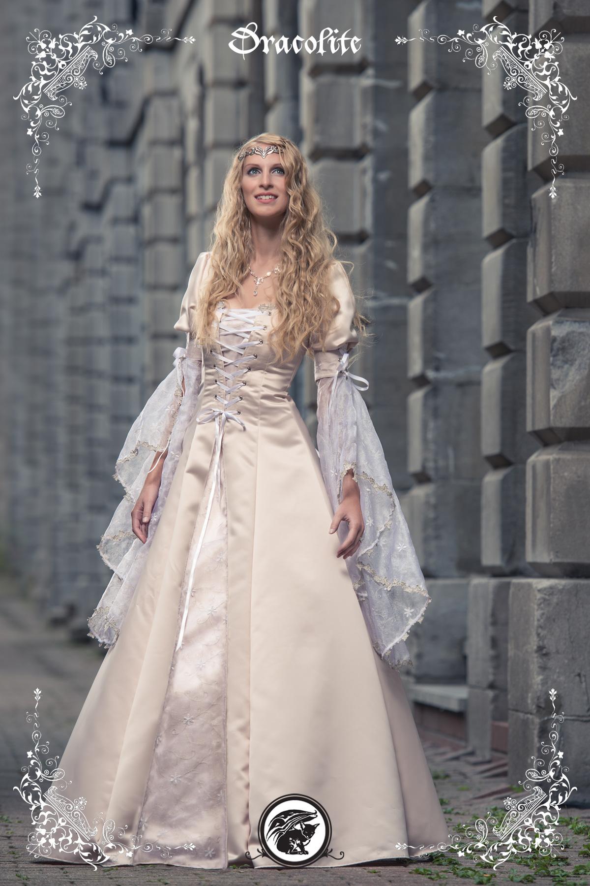 Assez Épinglé par florette sur Robe mariée | Pinterest | Robe mariée  AB87