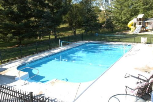 Trstates Water Pools & Spa Galesburg, Il. Volleyball net