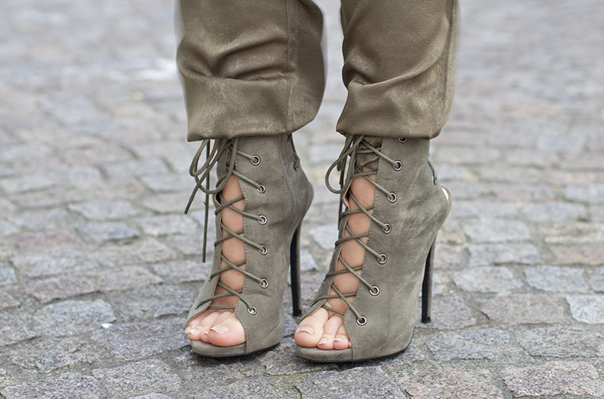 @littlemistress1 Silk duster coat @littlemistress1 silk trousers  @publicdesire Khaki Stiletto heels