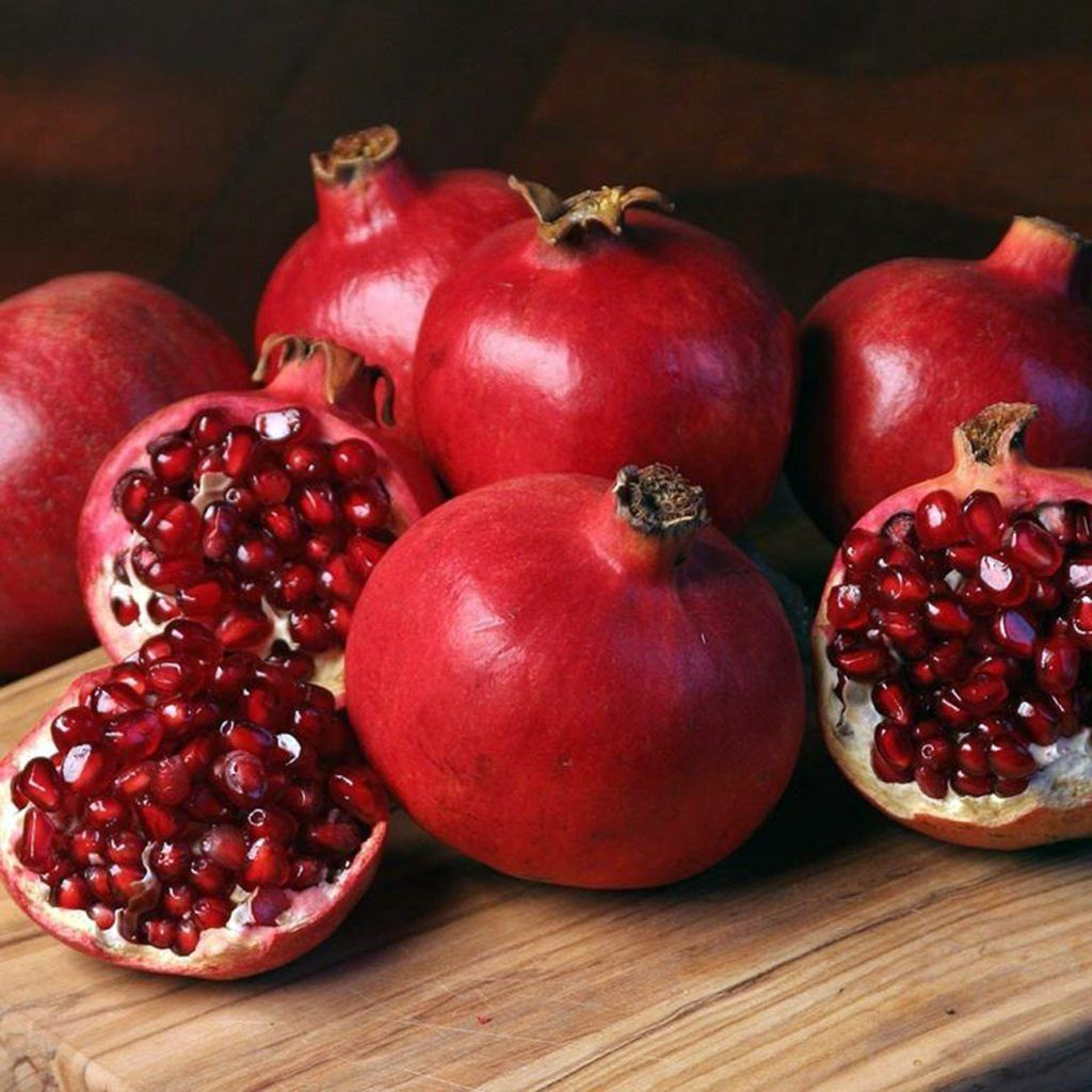 You Should Keep Your House Stacked With Pomegranates And Read Why On Colonoscopy Los Angeles S Page Pomegranate Fruit Pomegranate Fruit In Season