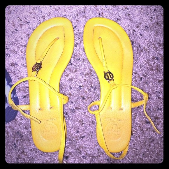 Tory Burch Sandals Worn once! Tag is still on the back of the shoes!! Tory Burch Shoes Sandals